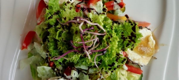 Heimisches Superfood - ein bunter Salat